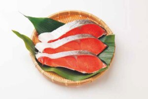 チリ産他 銀鮭切身(養殖・ふり塩)