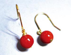 赤サンゴピアス